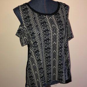 Cold shoulder tribal print short sleeve top